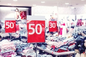 How to reduce the impact of fast fashion on the environment