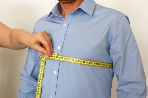 men measures chest