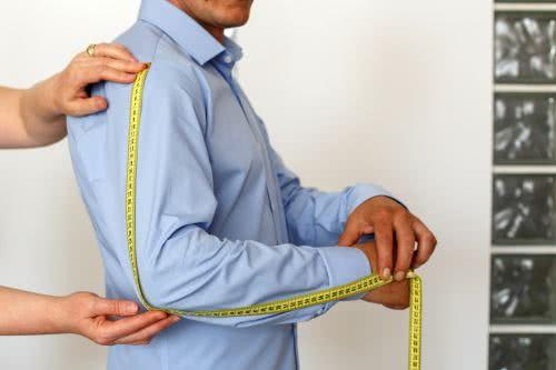 men measures sleeve