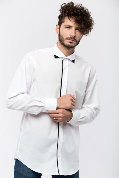 WHITE SHIRT WITH BLACK CONTRAST FABRIC ON THE COLLAR AND BUTTON PLACKET, MONTH JANUARY